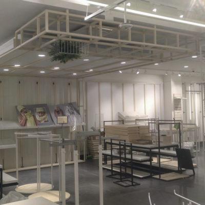 Mobico - Tienda de Ropa en Madrid - Montaje e instalación de mobiliario comercial